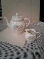 Porcelán kávé és tej kiöntő (2 darab)