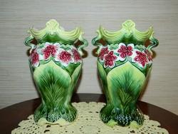 Osztrák majolika váza pár.