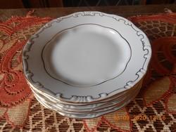 Zsolnay porcelán, arany tollazott süteményes tányérok 6 db