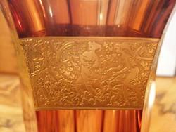 Moser váza, 24 cm, kézzel hasított, 24 karátos arannyal díszítve, kézzel gravírozva.