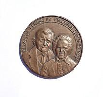 Nagyobb jelzett bronz plakett