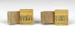 1C008 Elegáns arany színű mandzsetta pár