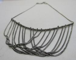 Gyönyörű régi  ezüstnyaklánc gyémánt metszett középső résszel