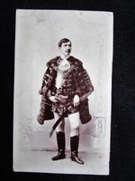 Cca. 1898 FOTÓ ELÖKELÓ FÉRFI KOMPLETT DÍSZMAGYAR MAGYAR ÖLTÖZET DÍSZKARD CSEREY MIKSA NEVESÍTETT