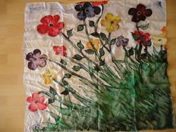 KENDŐ selyemre kézzel festett a rét virágaival 90x90-es, kétoldalú