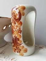 Sorszámozott lengyel kézműves kerámia fali gyertyatartó barna virágmotívummal
