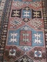 Antik kaukázusi szőnyeg