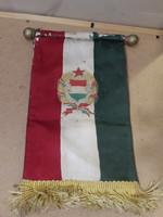 Régi magyar selyem zászló, 26 cm hosszú, gyűjtőknek kiváló.