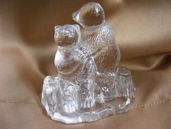 Öntött üveg ölelkező medvék