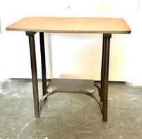 Csonka thonet asztalka