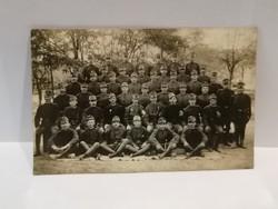 Katonák csoportkép fotó 1908