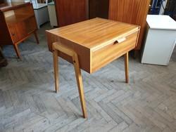 Régi retro tárolós íróasztal asztal lenyíló ajtóval