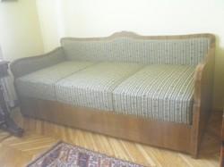 Kárpitozott ágy