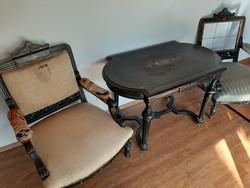 Bècsi boulle garnitúra gyöngyhàz berakàssal asztal 2 fotellal
