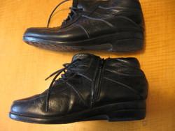 Dear fekete bőr bundás boka cipő 37-es