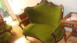Neobarokk szóló kanapé, szobai állapotú.