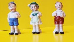 3 db. kicsi, antik Bertram porcelán  figura együtt eladó.