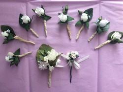 Vintage esküvői fehér rózsás zakódísz, öltönydísz
