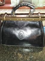 Antik jellegű poggyásztáska, szép fekete bőrből!
