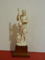 Antik elefántcsont szobor együttes