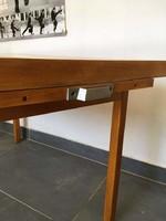 Felújitandó, magyar retro dohányzó asztal kihúzható szervirozó tálcával, fém füllel