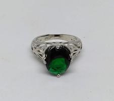 925-s ezüsttel töltött (SF) gyűrű fehérarany bevonattal, smaragd CZ kővel