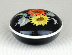 1C583 Régi fekete Metzler & Ortloff porcelán bonbonier 8 cm