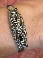 Art -deco stílusú rugós ,ezüst markazitos karperec