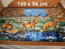 F_046 Régi erdei jelenetes szarvasokkal mokett faliszőnyeg falikárpit szép állapotban 149 x 94 cm