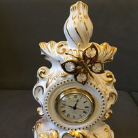 Capodimonte barokk stilusu quartz ora aranyozott es Swarovszki kristallyal diszitve