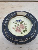 Gyönyörű Zsolnay porcelán dísz, dobozában eladó!