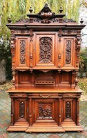 Reneszánsz tálaló szekrény
