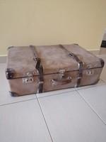 Kazeto bőrönd