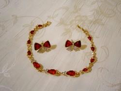 B_011 Arany színű ékszer szett piros kövekkel: karkötő és fülbevaló