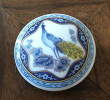 Pávás kis porcelán ékszertartó kinai