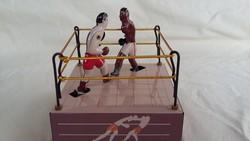 Fém felhúzható boxolók