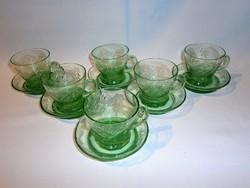 Nagyon régi zöld vésett mintás 6 személyes üveg füles pohár készlet mélyebb tálkákkal