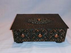 Fémműves iparművész bronz doboz