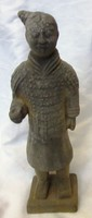 Kinai kerámia katona, 21 cm magas, nem régi darab.