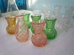 Színes és színtelen ibolyavázák, 12 db ibolya váza