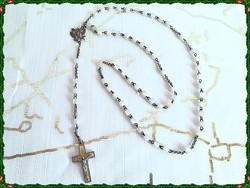 Antik, csiszolt féldrágakő szemes, gyöngyház és ezüst Jézus rátétes fém keresztes rózsafüzér