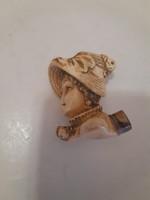 Figurális kézzel faragott női fejes antik tajték pipa
