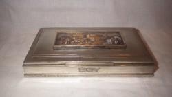 Jelzett bronz plakettel alpakka doboz
