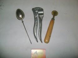 Retro konyhai eszközök - teás, derelyevágó - fokhagymatörő nincs meg
