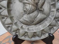Antik Ón tál tànyér , rendkívüli! Nemesi portré vagy katonai portré igényes munka!