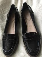 Új Clarks lakkbőr cipő 41-es