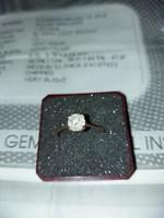 Briillköves aranygyűrű