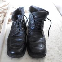 Fekete, női téli cipő (36, magasszárú)