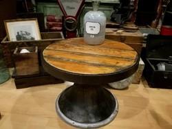 Kör indusztriális asztal, ipari stílusú dohányzóasztal, loft