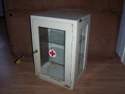 Régi zárható orvosszekrény rendelői szekrény